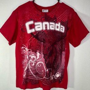 Disney Parks Graphic Canada Epcot T-shirt Medium